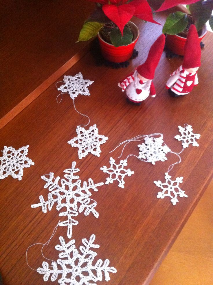 Crochet stars for the christmas tree - made in thin cotton yarn with a number 2 needle and pressed with a iron and potato starch...