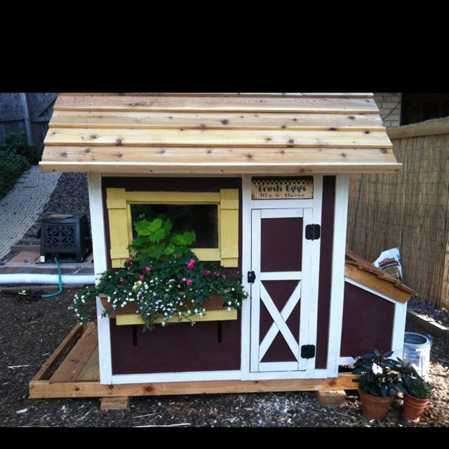 We have a little play house. I'm thinking we could do this. Chicken coop