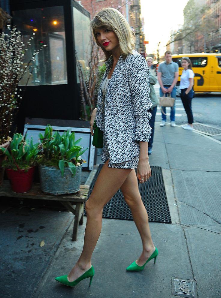Taylor Swift Hot Sexy Boobs Legs Ass