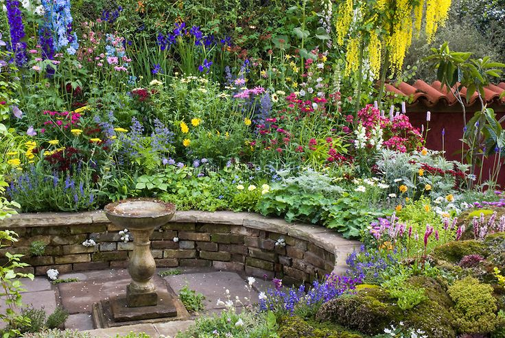 16 best oak tree retaining wall images on pinterest 5s for Red rock for flower beds