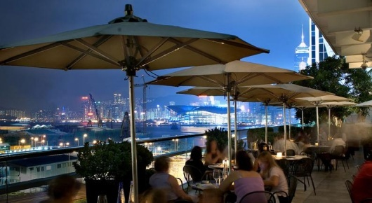 Ifc mall rooftop bar hongkong racinne hong kong for Rooftop bar and terrace