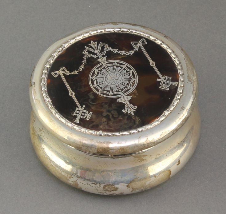 "Lot 584, An Edwardian silver and tortoiseshell pique trinket box, London 1905 3 1/4"" est  £100-150"