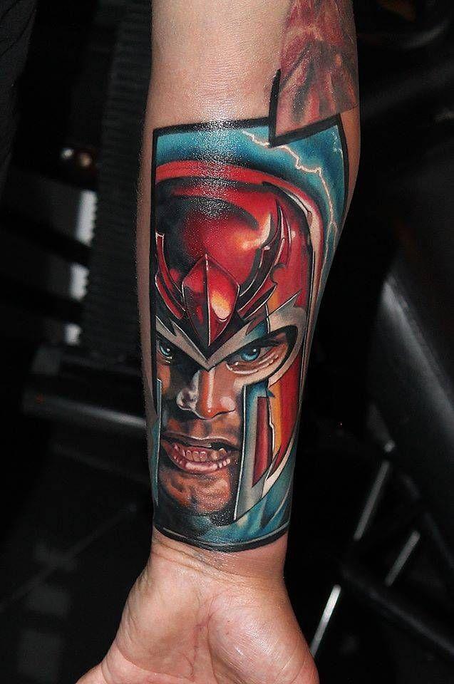 Tatuaje de Magneto de X-Men.