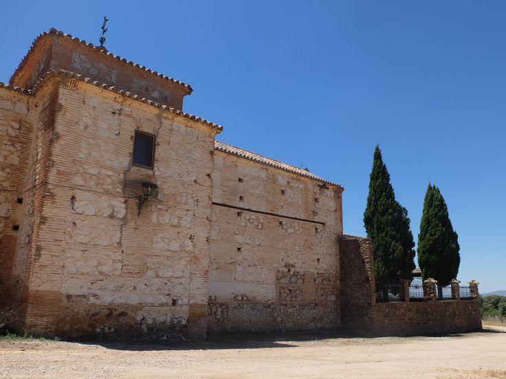 El Viso del Marqués. Ermita de San Andrés. Solo se abre dos dias al año. Tiene un retablo barroco muy interesante