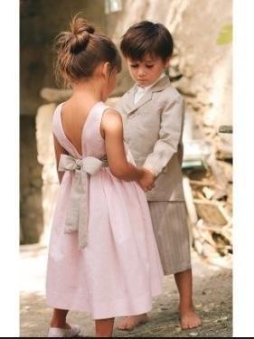 garçon et demoiselle d'honneur ... adorables en  gris et rose ...
