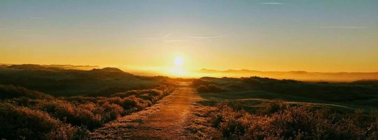 Adembenemende Nederlandse zonsopkomst