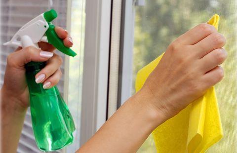 Как мыть окна без разводов – учимся делать быстро!
