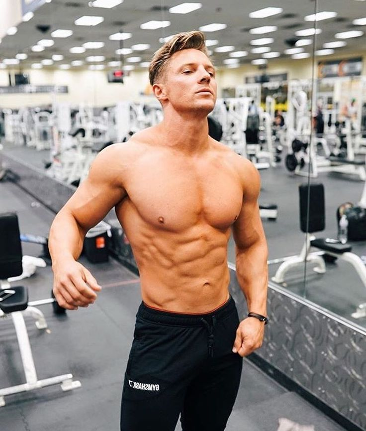 Ab check. Steve Cook keeping a close eye on the gains in the Fit Tapered bottoms.  Gymshark.com