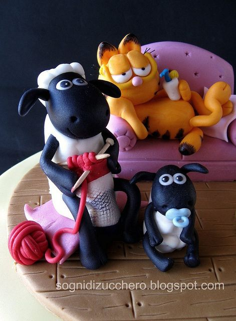 Garfield and Shaun the Sheep cake by Sogni di Zucchero, via Flickr