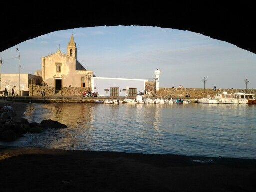Lipari island...in Sicily Holiday here!!! Holiday Accomodations in Lipari Alessia D'Amico Lipari- Isole Eolie -Sicilia +39.090.9880360 +39.338.7927531 Inviaci una mail - Please mail to: searosecasevacanze@tiscali.it casasimone.eolo@alice.it