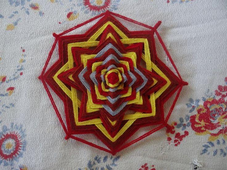 Mandala de lana. 25x25 cms.