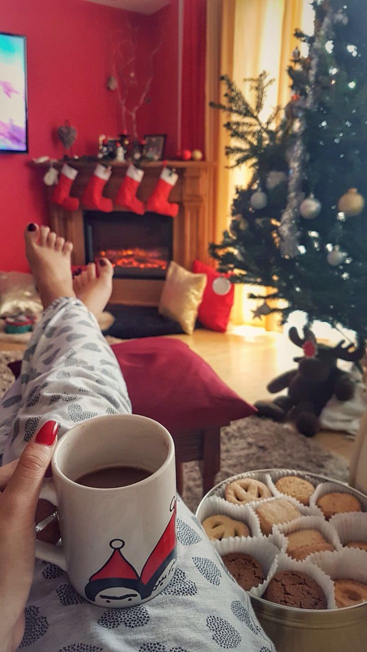 christmas cozy coffe morning winter home fireplace