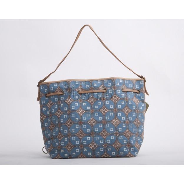 Powder bag: eco batik in  blue. www.berbatik.com