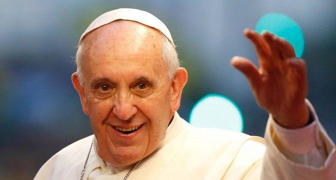 Ecuatorianos califican como una bendición la visita papal al Ecuador