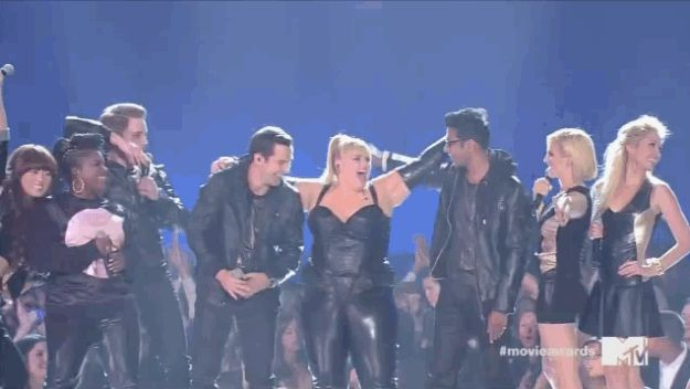 "The Cast Of ""Pitch Perfect"" Reunites, Performs At The MTV Movie Awards"