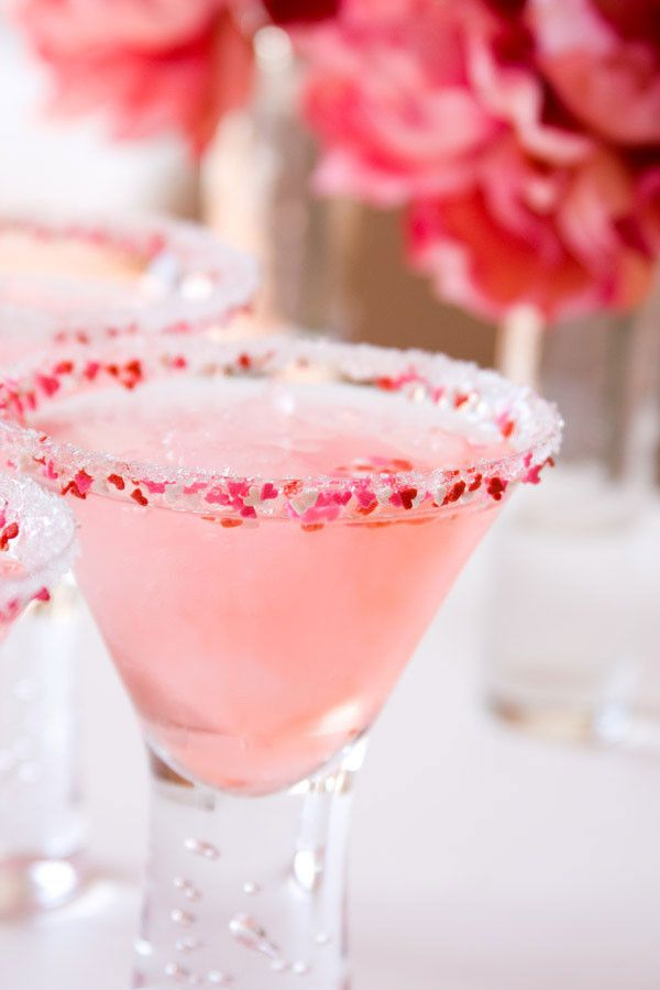 Romantic Cocktail rimming sugar for martinis, champagne toasts or signature drinks. Made by Dell Cove Spice Co. in Chicago, Illinois. http://www.dellcovespices.com