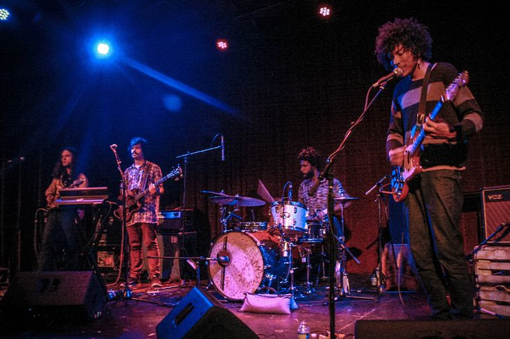 Boogarins never seem to focus on the limitations of their branded sound, but continuously explore and push the frontiers into new rhythms and lyricism.