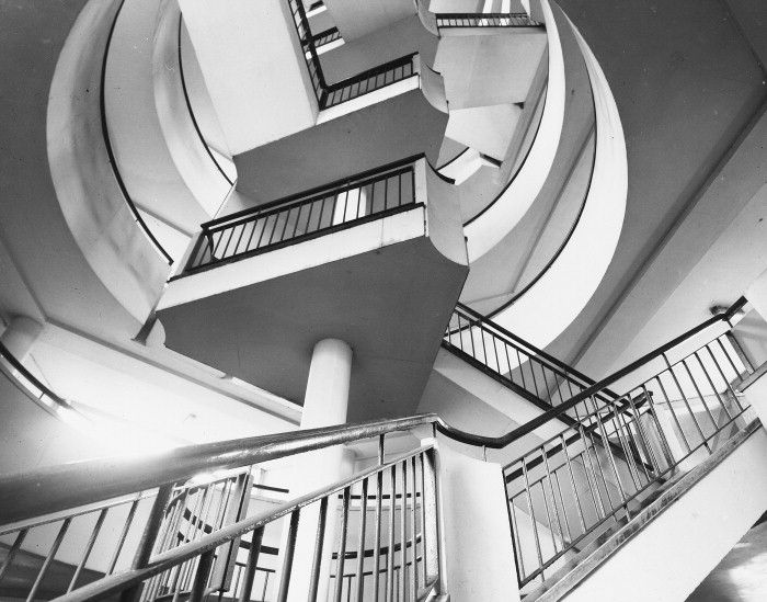 Bevin Court (1946-54)   Berthold Lubetkin and Tecton