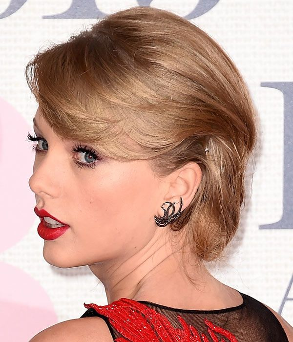 #TaylorSwift rocking the #fauxbob