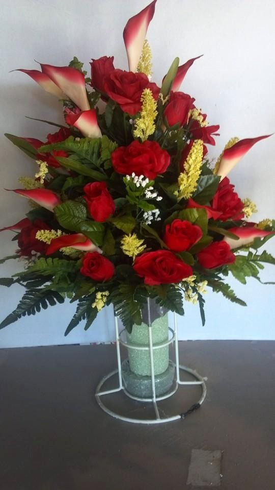 Pin By Amy Hulse On Flower Arranging 101 Funeral Floral Arrangements Grave Flowers Grave