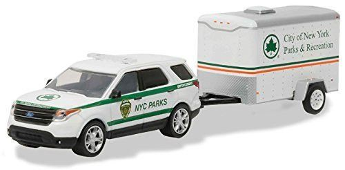 2015 Ford Explorer New York City Department of Parks and Recreation & Small Cargo Trailer Hitch & Tow Series 7 1/64 by Greenlight 32070 D