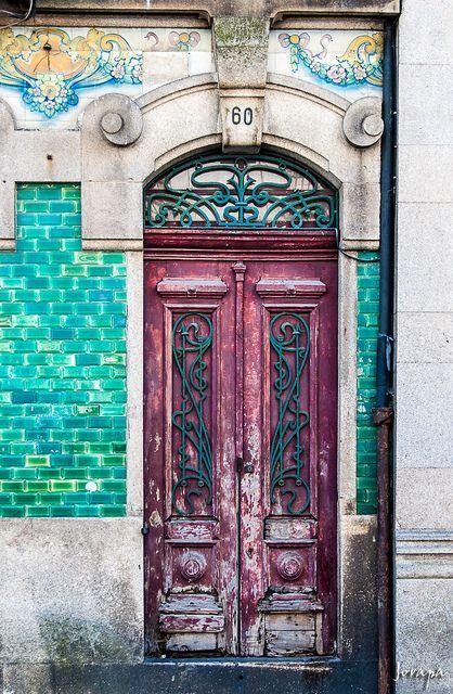 Many of these tall doors in Porto Antes quarter ░ Porto Portugal. This door is gorgeous! Cool Doors, Unique Doors, Door Knockers, Door Knobs, When One Door Closes, Grand Entrance, Closed Doors, Doorway, Windows And Doors