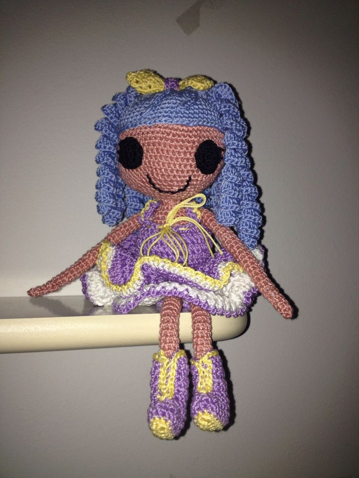 Lalaloopsy inspired doll, 3mm hook and cotton yarn. Acrylic stuff.