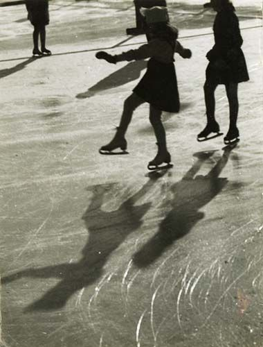 Erno Vadas' Ice Skaters.  First saw his work at the Eyewitness Exhibit showcasing Hungarian photography at the Royal Academy of Arts.  As a Canadian I get nostalgic about anything involving ice skating.   Print will run you £2500