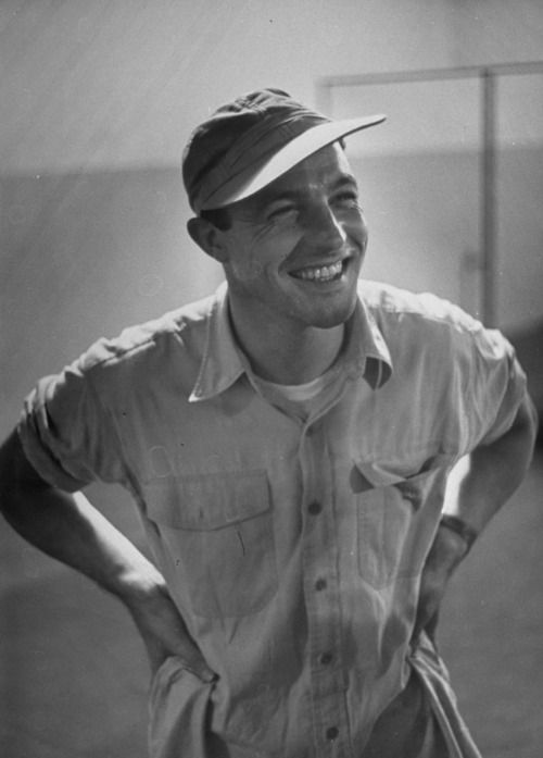 Gene Kelly photo, 1940s  He had the most amazing smile.