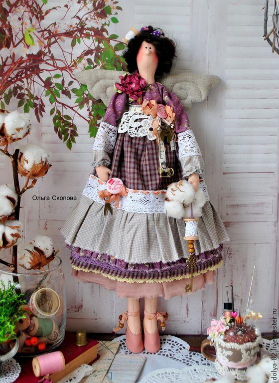 """Купить Портниха Тильда. """"Рукодельница"""" - портниха, швея, дизайнер, ткани, хлопок, иголка, катушка деревянная"""