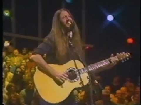 Gonna be a fun night,saw them a few years ago,amazing  THE DOOBIE BROTHERS - Black Water (1977) - YouTube