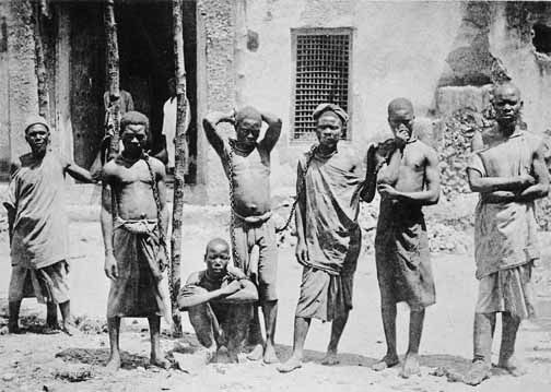 photos+of+slaves+being+sold.. | Africa, A never ending slavery