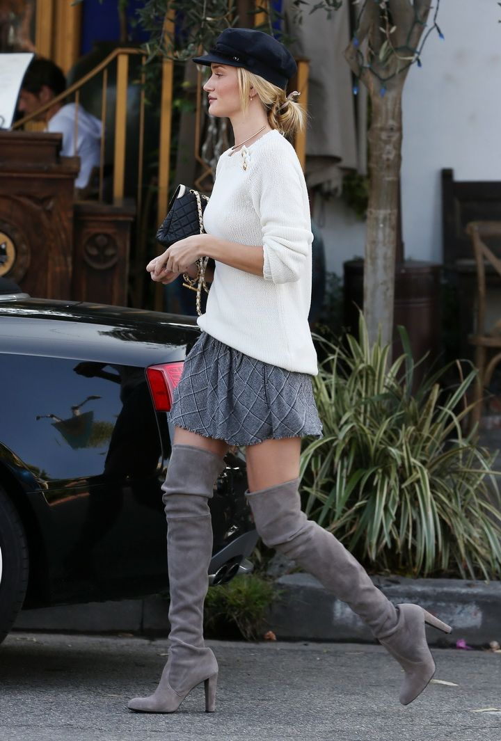 Rosie Huntington-Whiteley leaves a restaurant in Beverly Hills - October 23, 2013