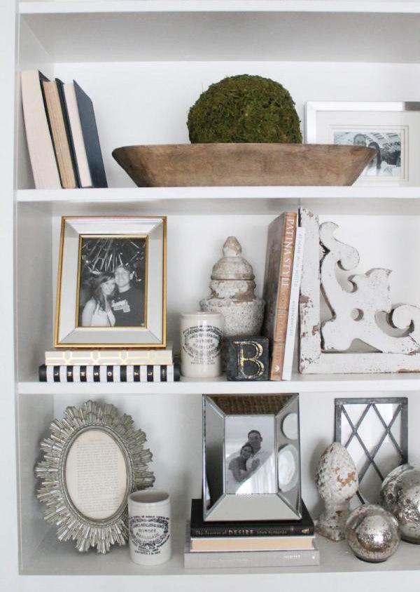 25 best ideas about decorate bookshelves on pinterest - How to decorate shelves in living room ...