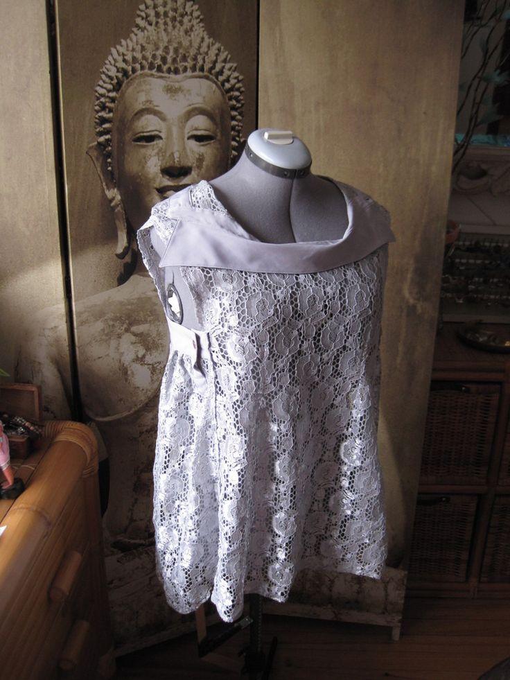Chemisier inversé T 40-42 en dentelle gris perle : Chemises, blouses par frip-ouille
