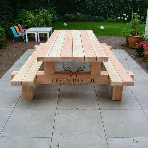 Tisch mit Bänke aus Weißholz
