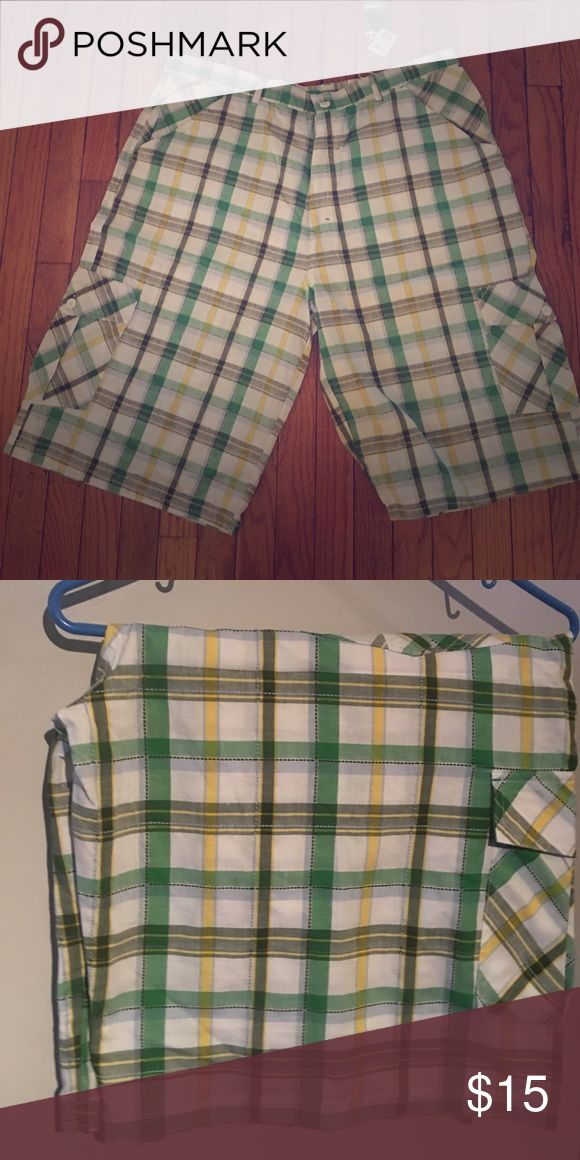 Men's plaid shorts Men's plaid cargo but linen material shorts knockout Shorts