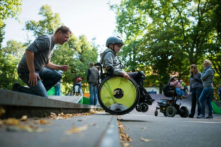 wheelchair_skating-30.jpg (1600×1067)
