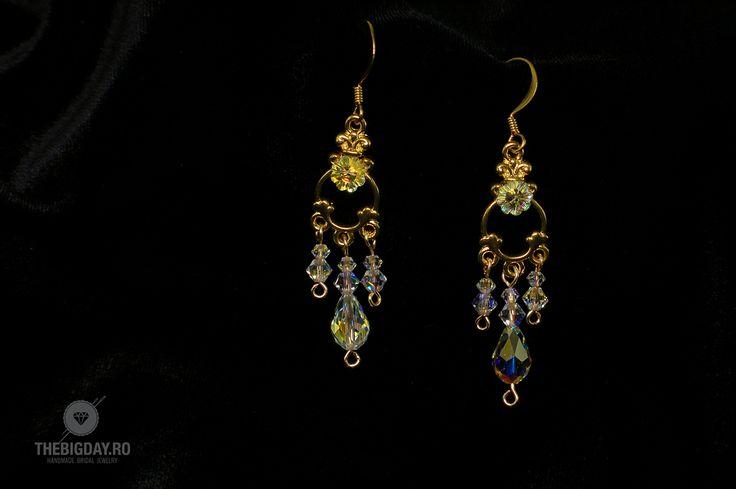 The Big Day | #1-0016 Cercei Swarovski Flower Chandelier http://thebigday.ro/ #Swarovski #swarovskijewelry #jewelry #handmadejewelry #wedding #mireasa #bijuterii #cristale #bijuteriimireasa #nunta