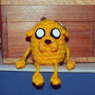 Jake the dog Keychain | Mia's Atelier http://www.miahandcrafter.com/atelier/jake-the-dog-keychain/