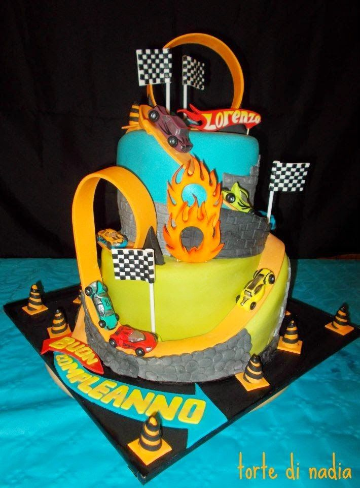 Hot Wheels Racing League: Hot Wheels Birthday Party Cakes - Super cool multi-level cake. #hotwheels #cakes