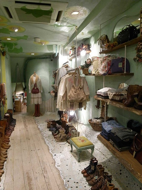 Vintage Clothing Store, wish I could go to this store! Looks delightful!