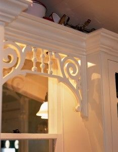 gingerbread trim over kitchen window, oldhouseonline