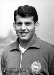Farkas János (1942. március 27., Budapest – 1989. szeptember 29., Budapest)  válogatott labdarúgó