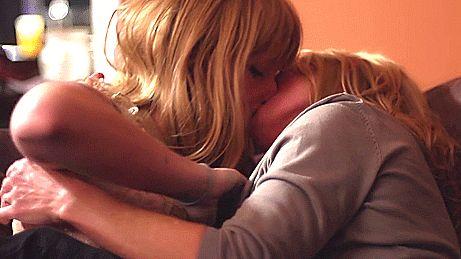 Baiser lesbien angelina jolie