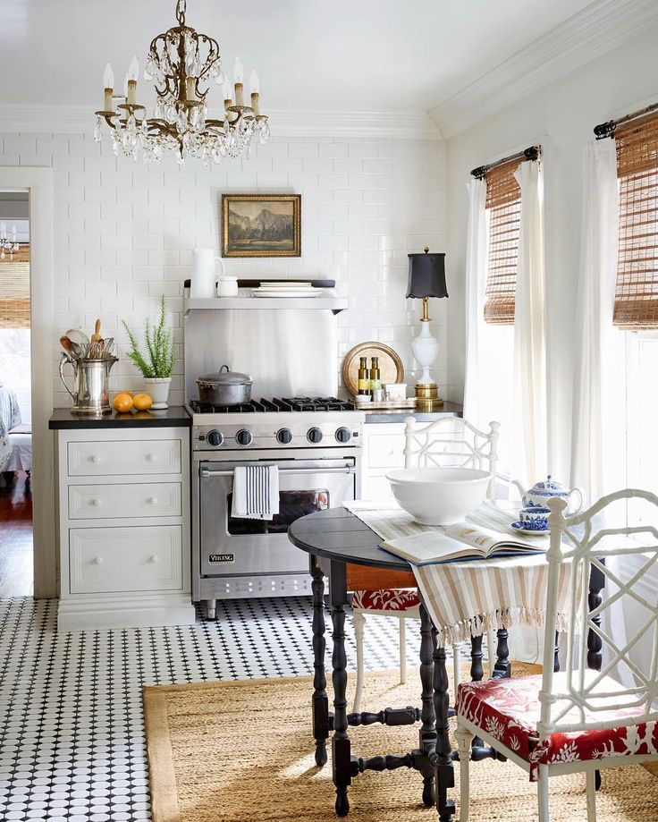 The Gardeneru0027s Cottage: Styling Tricks Of The Country Living Photo Shoot