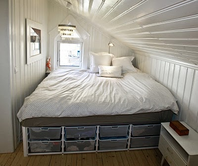 organizing small spaces-- need these for under my bed!   I love the bed surrounded by walls!!!
