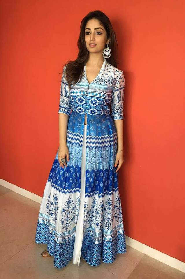 Yami gautam in Anita dongre anarkali suit with white lehenga skirt. Find bollywood's latest fashion on Ethnico- http://www.ethnicoapp.com/tag/bollywood