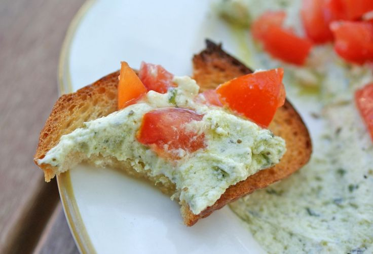 summer crostini - appetizer recipes summer, easy summer appetizer, summer party foods