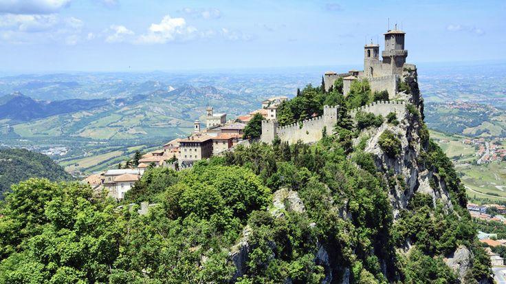 Aurinkomatkojen Toscanan kiertomatka alkaa huikaisevilla San Marinon maisemilla. #SanMarino #Toscana #Italia #Tuscany #Italy